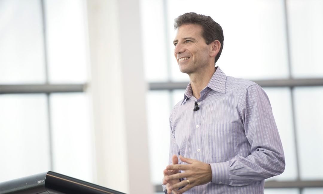 Serge Benhayon presenter